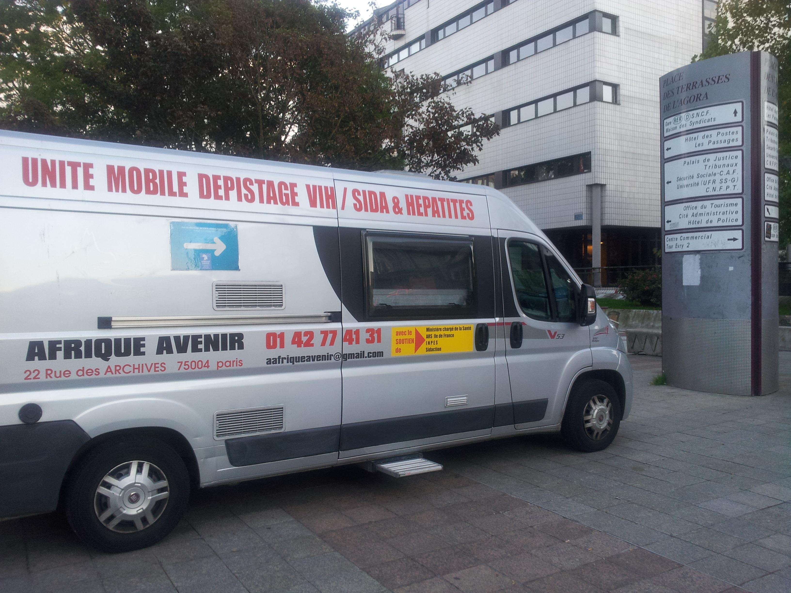 unité mobile de dépstage du VIH et Hépatites