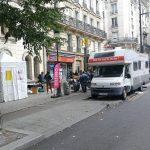 Unité  mobile de dépistage du VIH et hépatites  stationnée au métro Marcadet